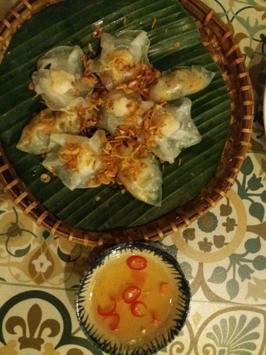 Banh Vac (white rose)